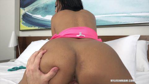 Alina Belle - Alina Wants Cock For Breakfast (1080p)