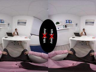 Ornela Fox (I am Sorry Boss / 28.11.2019) [Oculus] (MP4 / UltraHD 4K) VReXtasy - czech speech - czech porno blowjob online