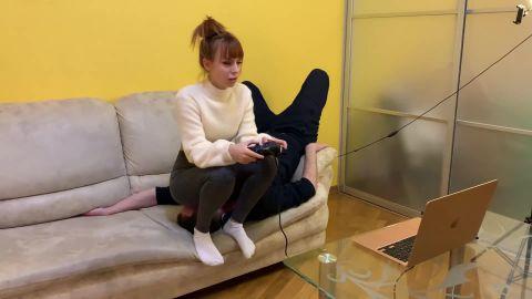 Petite Princess Femdom - Gamer Kira In Leggings Uses Her Chair Slave While Playing [FullHD 1080P]