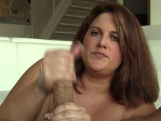 Sultry Erin Green gets the cum out of a big dick