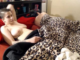 efrolesbians - Shit Sex Gets Shit In Bed Payback [FullHD 1080P] - Screenshot 5