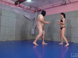 Scissorhold – CRUEL PUNISHMENTS – SEVERE FEMDOM – Wrestling with ballbusting – Mistress Kittina