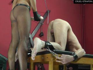 Anal Play – CRUEL MISTRESSES – Amanda's brutal anal – Part 1 – Mistress Amanda