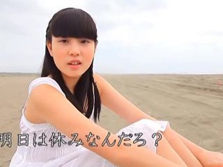 Hatsukoi Ryou Omoi sexy Asian teen enjoying the beach