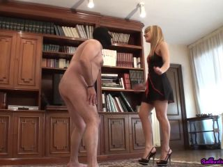 Ball Crushing – Ballbusting Pleasures – Two Balls are Insufficient – Jacqueline