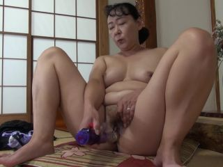 Curvy japanese granny wants her mature pussy toyed and fucked